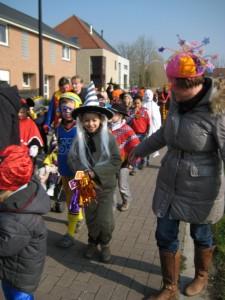 carnavalstoet langs de Zwanestraat